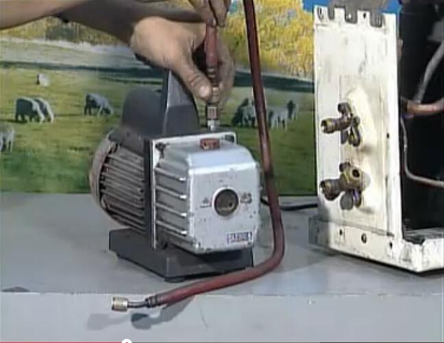 安装真空泵抽气管