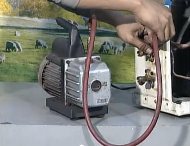 空调抽真空连接空调阀门